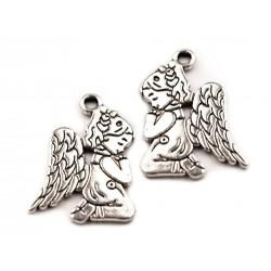 Zawieszka klęczący aniołek 1